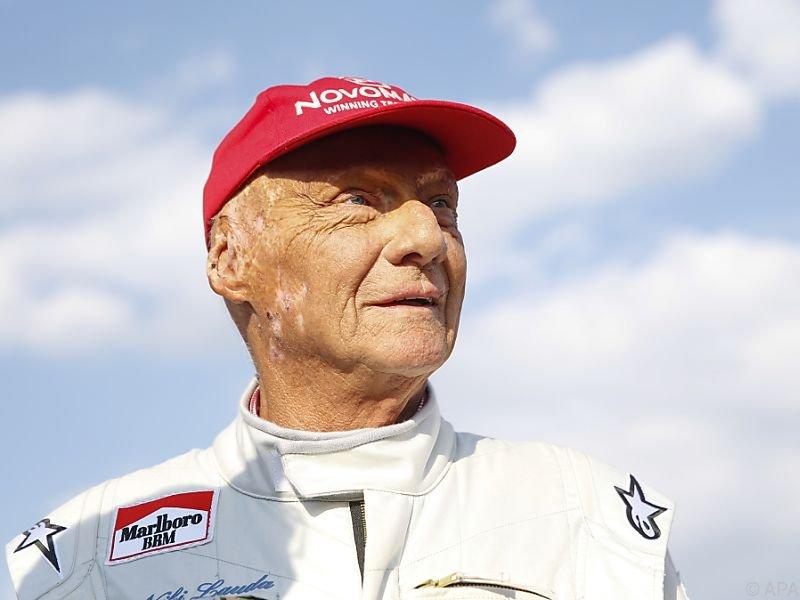 Niki Lauda musste sich nach schwerer Erkrankung einer OP unterziehen