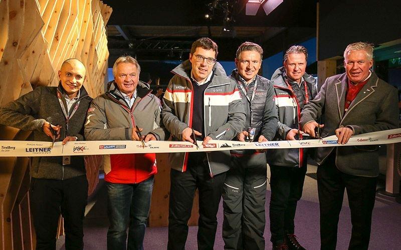 Eröffneten den TirolBerg: Patricio Hetfleisch (Tirol Werbung), ÖSV-Sportdirektor Hans Pum, Anton Seeber, Martin Leitner (beide LEITNER ropeways), FIS-Vizepräsident und SkiStar-CEO Mats Arjes sowie TirolBerg-Wirt Manfred Furtner