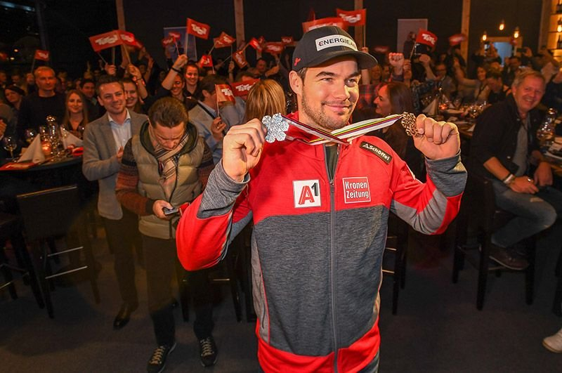 Vincent Kriechmayr feierte beim Ischgl Abend im TirolBerg seine zweite WM-Medaille