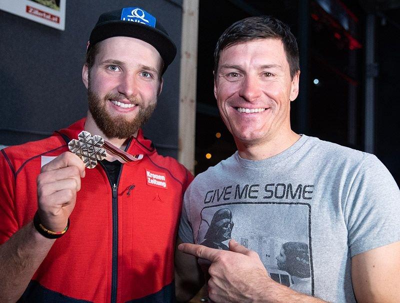 Begeisterten im TirolBerg: Marco Schwarz mit seiner Bronzemedaille und Ivica Kostelic mit seinem Auftritt