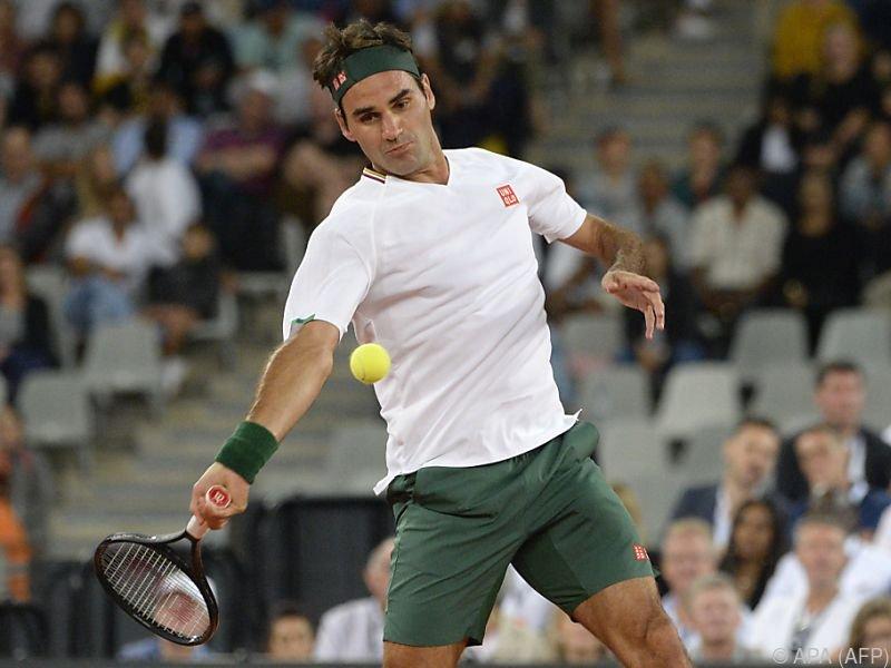 Sieg für Federer bei Benefiz-Tennisspiel