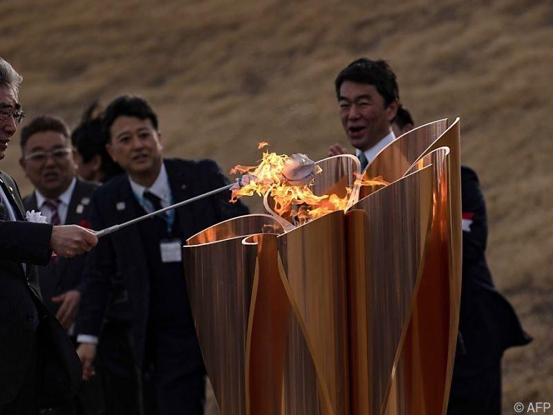 Die olympische Flamme ist in Japan