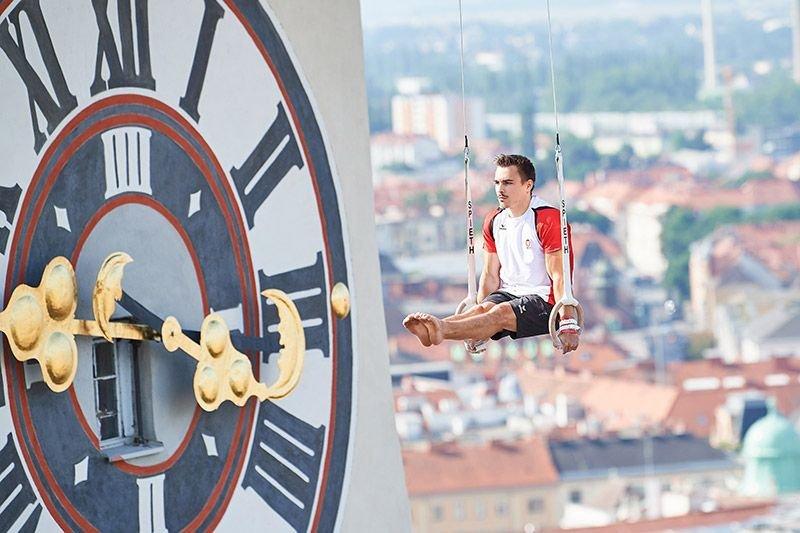 Spektakulärer Dreh: Herr(en) der Ringe über den Dächern von Graz