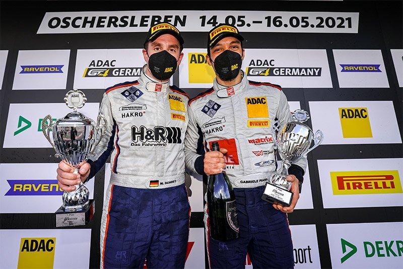 Michael Schrey feiert Doppelsieg beim Saisonauftakt der ADAC GT4 Germany