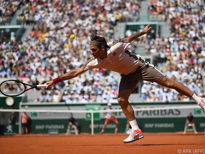 Roger Federer setzte sich gegen Casper Ruud mit 6:3,6:1,7:6(8) durch